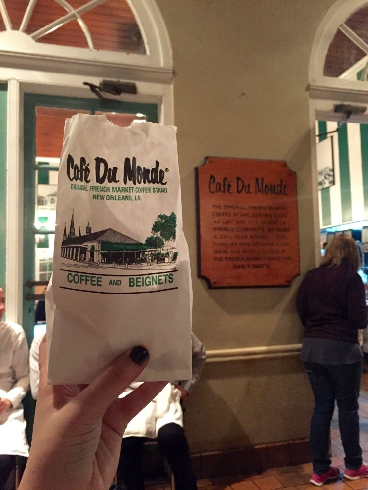 Where To Eat In New Orleans  Cafe du Monde