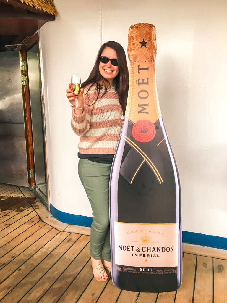carnival_ecstasy_cruise_new_years_eve_moet